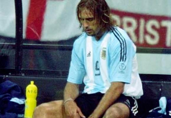 Gabriel Batistuta ya no puede caminar