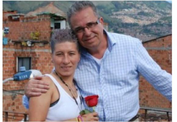 'La vendedora de rosas' desnuda su soledad ante un cubano