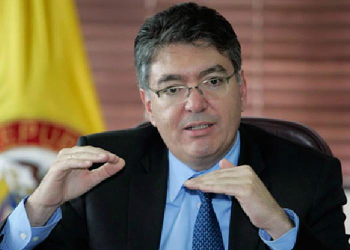 """""""El ministro Cárdenas debe renunciar"""": Fernando Sierra"""
