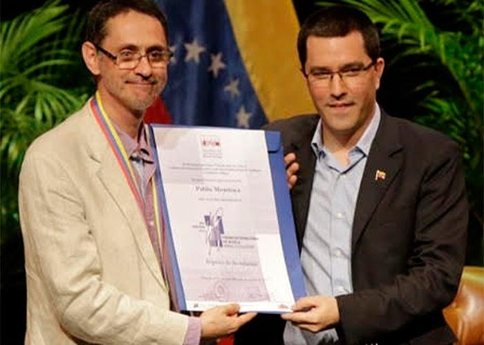 El escritor Pablo Montoya habló duro en Caracas