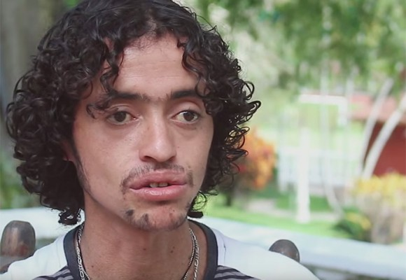 El niño que combatió a los paracos con su música