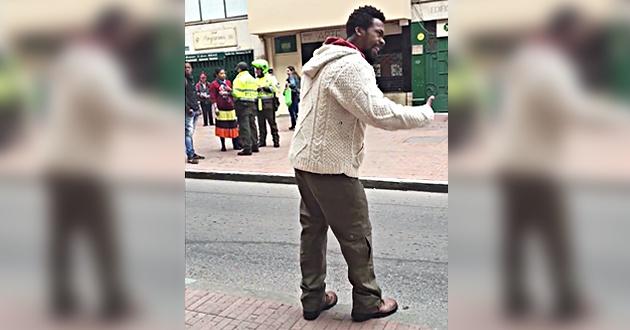 '¿Mi prisa sí es sospechosa porque soy negro, pero la de ellos no porque son blancos?'