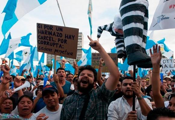 """Los """"indignados"""" de Guatemala que ayudaron a tumbar a Otto Pérez"""
