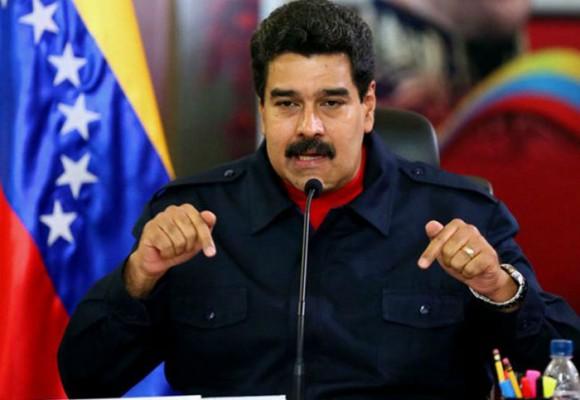 Maduro cierra frontera con La Guajira y ofrece recibir 20.000 sirios