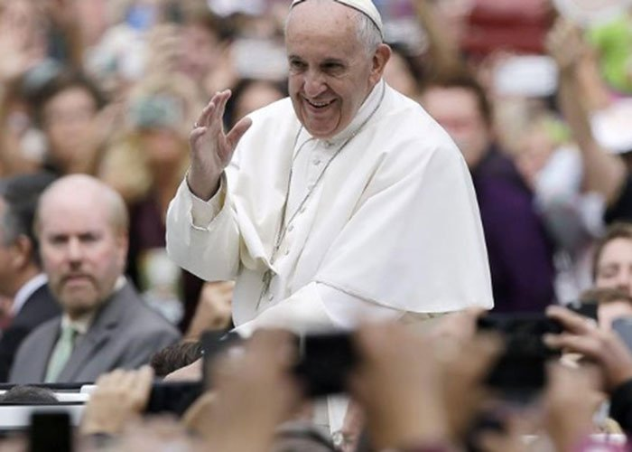 Papa Francisco, por favor no venga a Colombia