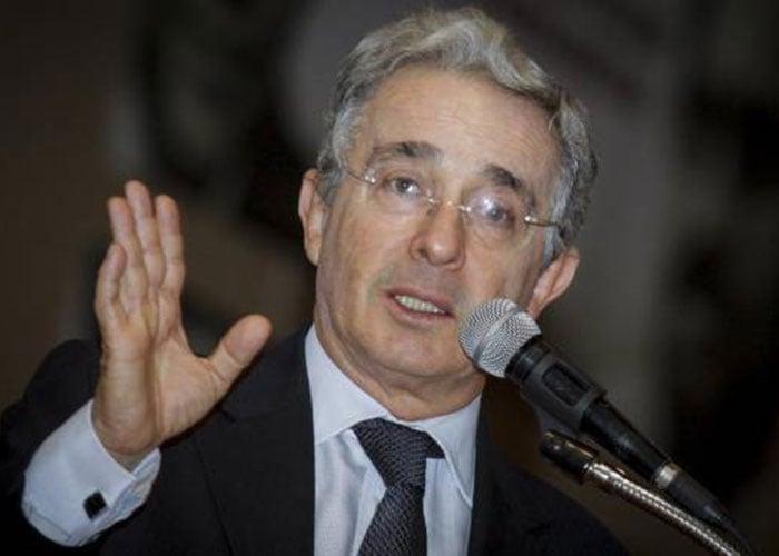 Uribe: delirante y mesiánico