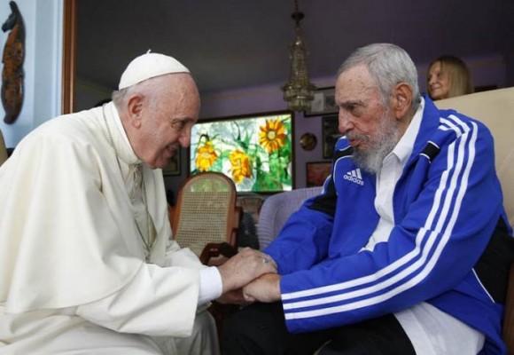 Las fotos inéditas entre el Papa y Fidel