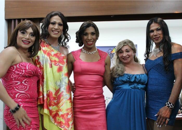 Aquí con otras de sus compañeras en Mujer T, evento que busca empoderar a la comunidad Trans de Bogotá.