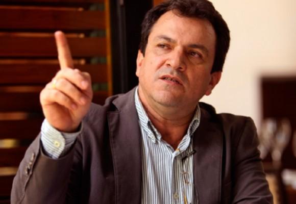 Alonso Salazar prepara su renuncia a la candidatura de la alcaldía de Medellín