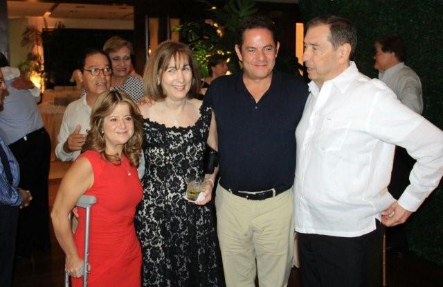 Elsa Noguera De La Espriella, Maria Mercedes De La Espriella, Germán Vargas y Fuad Char en homenaje al ex congresista. Foto LaChachara.org