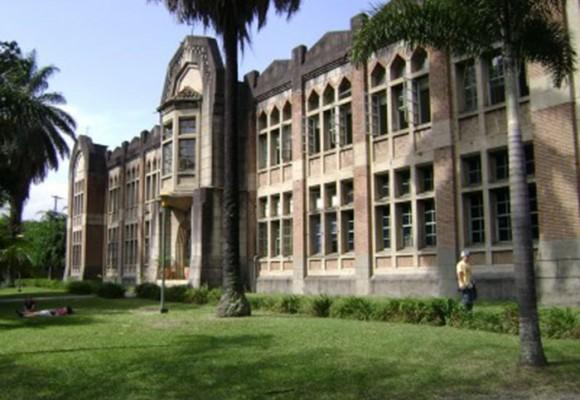 La investigación universitaria, entre la espada y la pared