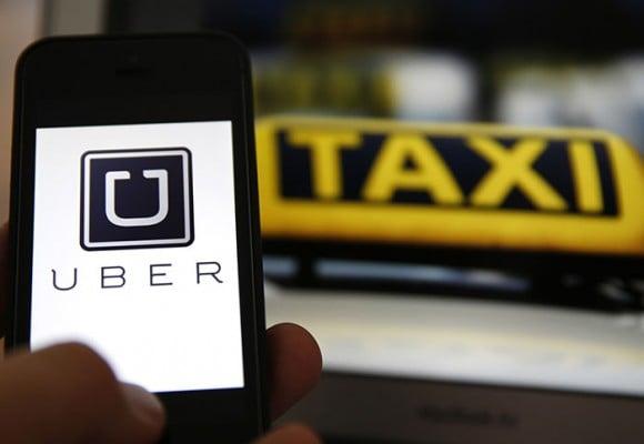 'Para afuera las mafias: ¡Ni Uber, ni Uldarico!'
