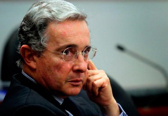Uribe derrotado en su propio patio