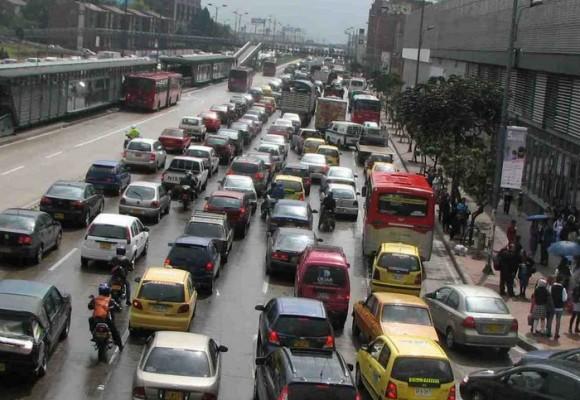 El video que explica el caos del transporte público en Bogotá