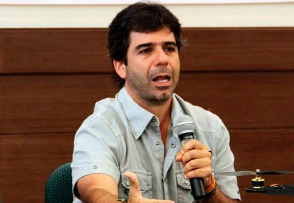 En video: el trago amargo que le hicieron pasar a Alex Char en Barranquilla