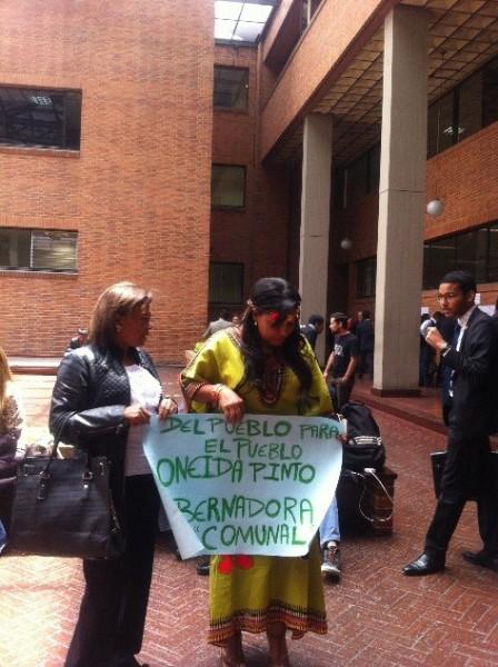 Oneida Pinto celebrando el fallo del CNE (Foto: PARES)