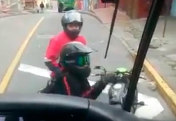 En video: La violenta agresión a conductores del SITP