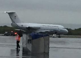 ¿Qué hace este avión de la flota presidencial en Cartagena si Santos está en Filipinas?