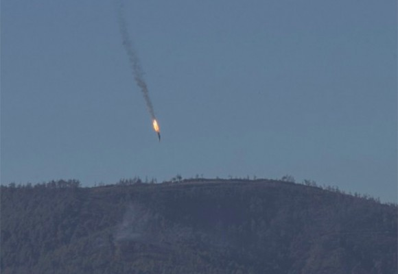 Video del momento que Turquía derriba un avión Ruso
