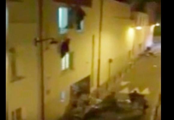 En video: el desesperado intento por salir del teatro Bataclán en París tras atentado
