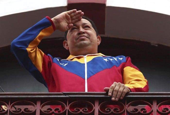 Vísperas de su triunfo presidencial en 1998, Janin Farias se reunión en el fuerte de Tuna y le predijo su triunfo, la muerte y la caída del chavismo