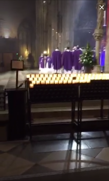 Homenaje al interior de la catedra de Notre Dame