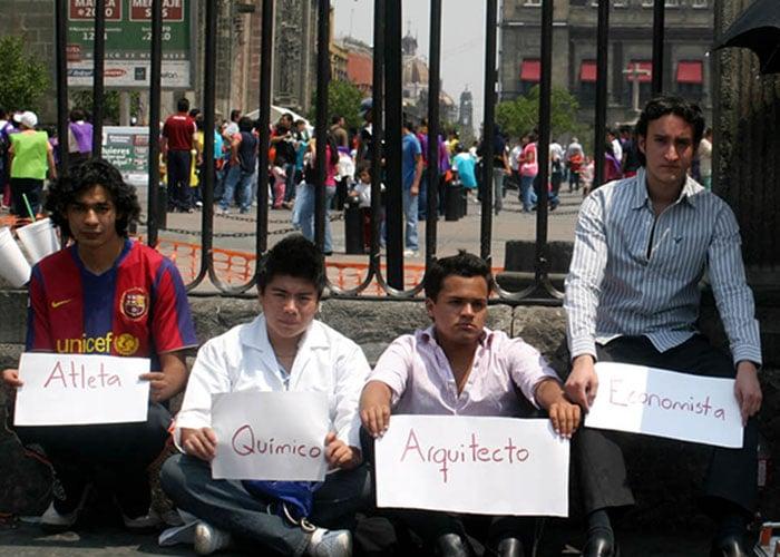 El infierno de buscar trabajo en Colombia