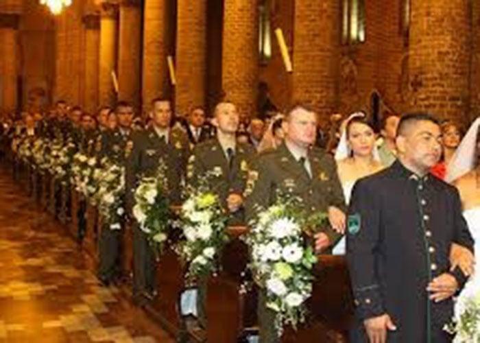 Policía en Mocoa celebra matrimonio colectivo