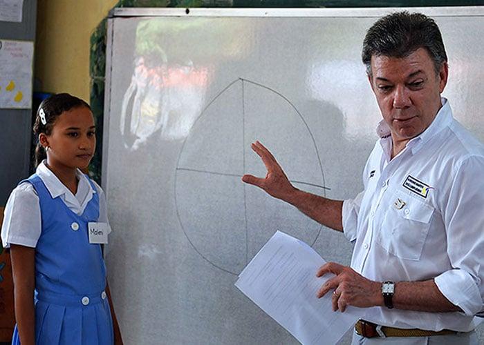Los maestros que se oponen a 'Colombia, la más educada'