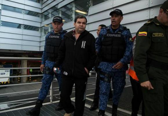 'En Colombia es más fácil repatriar a un condenado que sacar una cédula'