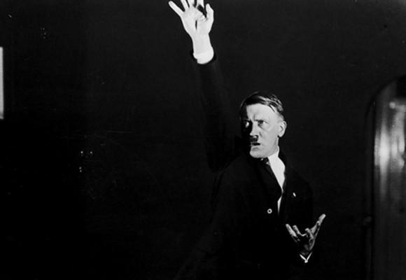Diez fotos que muestran el lado más ridículo de Hitler