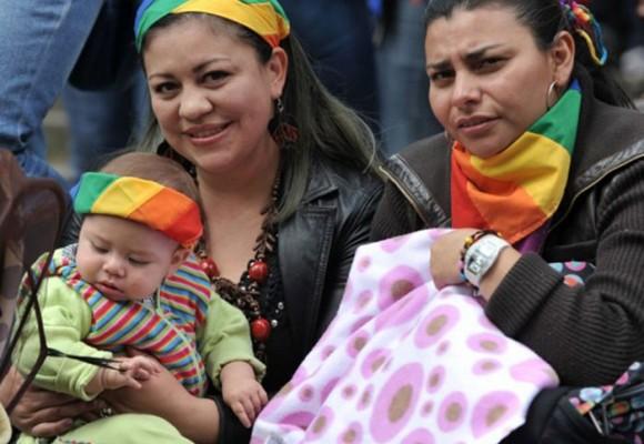 La adopción igualitaria: la importancia de los grupos de presión