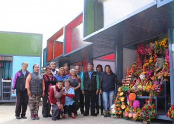 Vendedores de flores de la 26 estrenan galería