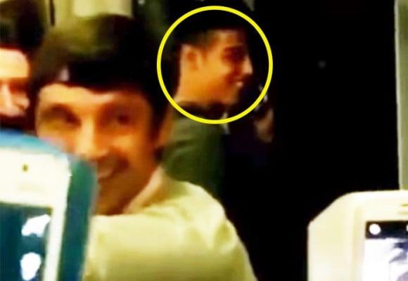 En video, James aparece en un bus en Santiago de Chile