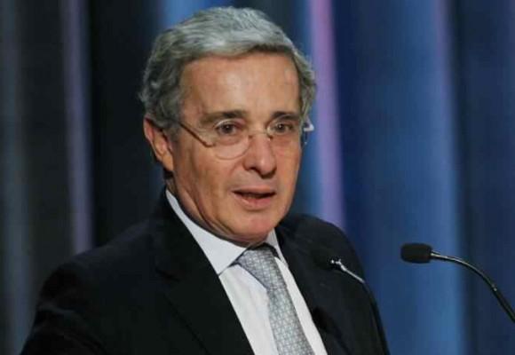 Uribe retoma el timón: Zuluaga y Fabio Valencia en la cuerda floja