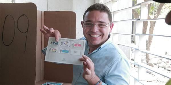 Rafael Martínez quien fue el primer secretario de Gobierno de Caicedo, fue elegido alcalde para continuar con el proyecto de ciudad
