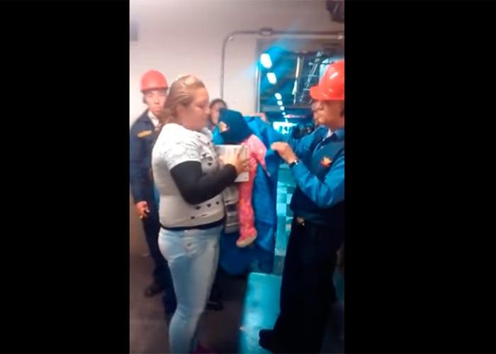 En video: usó a su bebé de mentiras para robar en Homecenter