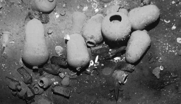 La millonaria compra de un submarino para rescatar el tesoro del Galeón San José