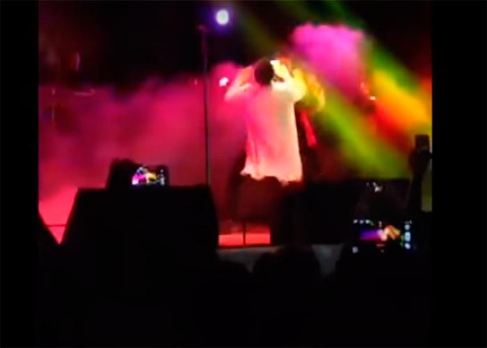 El video de cómo a botellazos fue sacado Silvestre Dangond por llegar tarde a un concierto