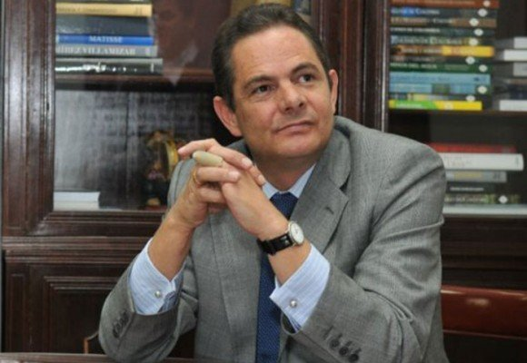 'Dr. Vargas Lleras, por favor no se muera'