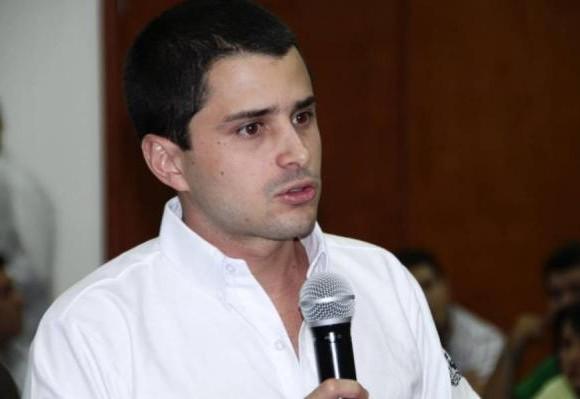 ¿Tomás Uribe será el sucesor de su papá en la política?