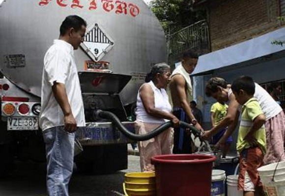 '¡Queremos agua en La Mesa Cundinamarca!'