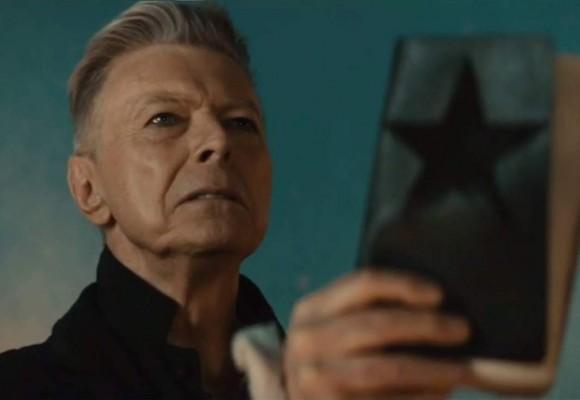 Con este video David Bowie abandonó el planeta tierra