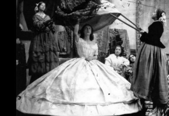 La falda que asesinó a más de cinco mil mujeres