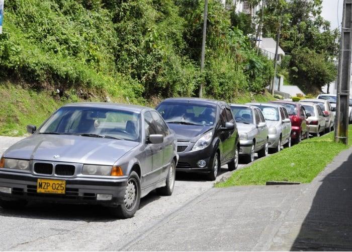 La pesadilla de tener carro en Colombia