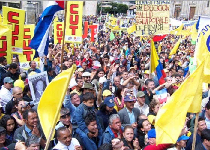 La lucha por un salario justo en Colombia - Las2orillas