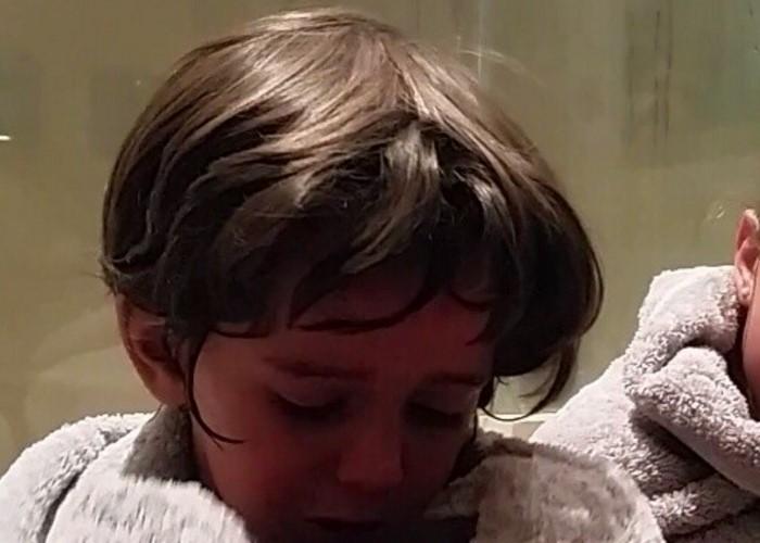 En video: el hijo de Carlos Vives llora por la agonía del río Magdalena