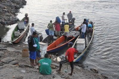 Pescadores. Foto: Víctor de Currea-Lugo