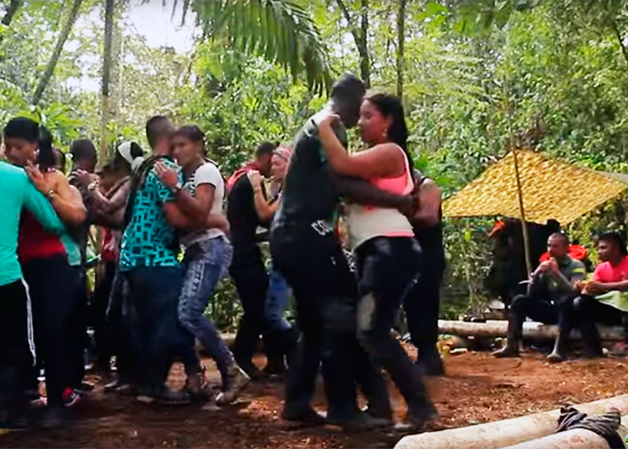 VIDEO: La fiesta de fin de año de las FARC en el monte