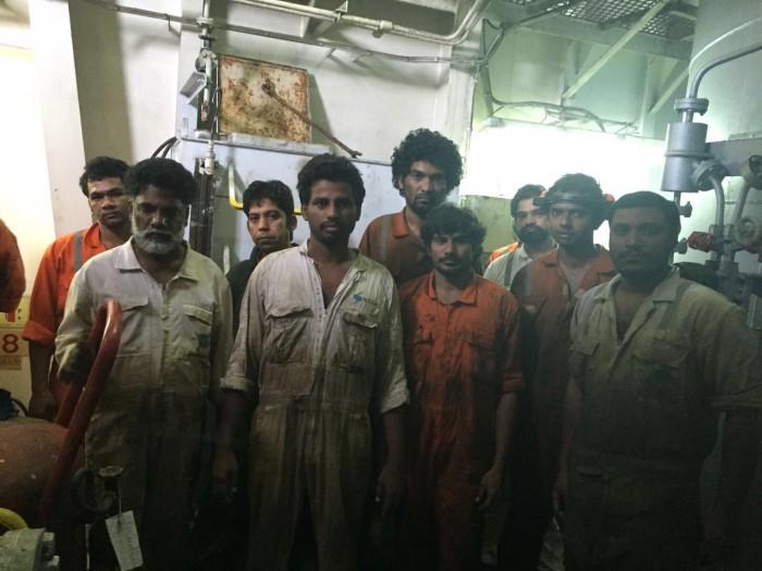 Los 18 marineros están fatigados luego de tres meses sin que nadie les brinde soluciones. Foto: Archivo particular